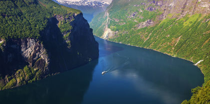 Spectacular Scandinavia and its Fjords   Tours, couples and rail holiday experience